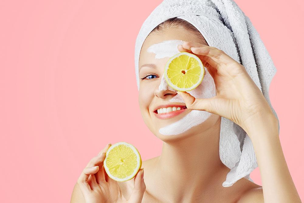 Zitronen bei Schwitzen, hilft das?